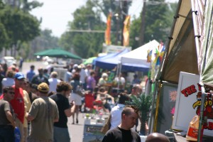 Crowds at the 2010 Lower Town Arts & Music Festival